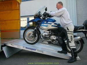 Descarga tu moto fácilmente con nuestras rampas